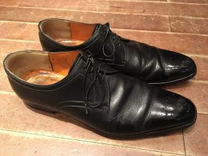 サントーニの革靴