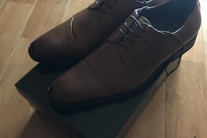 ヨネックスの革靴